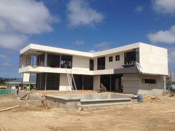 2 物語、平屋根、ウルグアイは軽い鋼鉄家、ライト鉄骨フレームの家を組立て式に作りました
